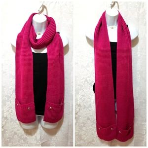 Michael Kors scarf with pocket on pink